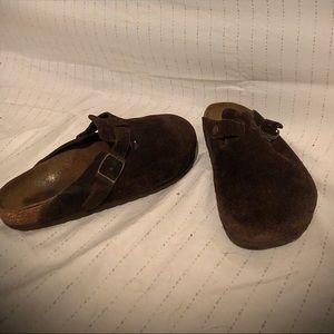 Mocha Birkenstock clog   best shoes ever!